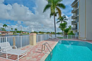 1839 Middle River Drive #305, Fort Lauderdale thumbnail photo