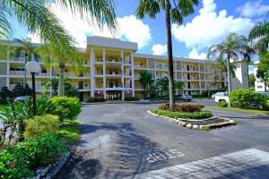 2800 N Palm Aire Dr #106, Pompano Beach, FL
